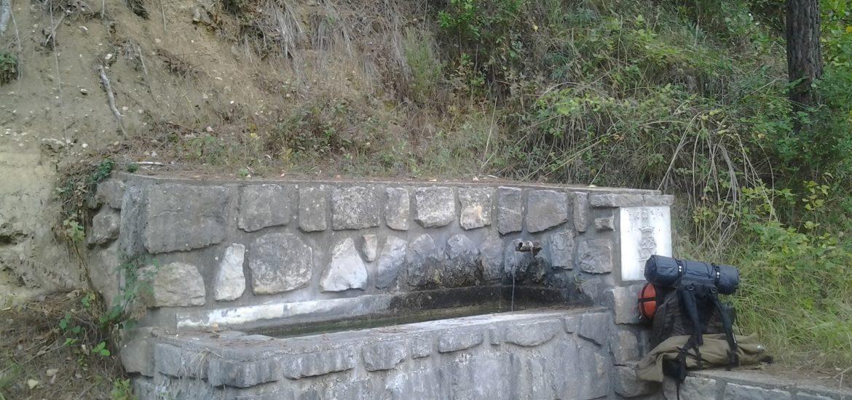 Descanso junto a una fuente.