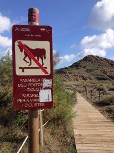 Señal prohibición caballos