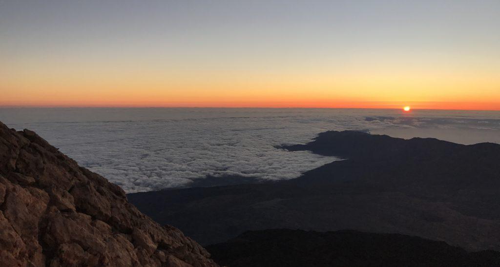 Amanecer en el Teide, mar de nubes